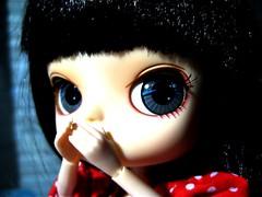 keepthesecret* (kittinha) Tags: red doll play dress dal pony mueca sooni leizu