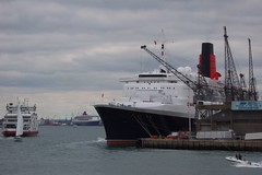 Queen Elizabeth 2, Queen Mary 2 and Red Funnel Ferry (crwilliams) Tags: ferry docks boats hampshire southampton qm2 qe2 date:year=2005 date:month=april date:day=16 date:wday=saturday date:hour=15
