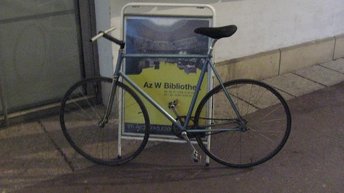 The first fixed gear I've seen on the streets in Vienna