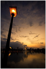 A romantic place... (Chee Seong) Tags: sunset lake lamp canon evening post kl soe 1022mm titiwangsa passionphotography 400d impressedbeauty eyesonmalaysia theperfectphotographer