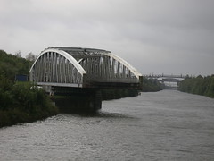 Swing bridge on Manchester Ship Canal (Sou'wester) Tags: manchestershipcanal liverpool manchester canal mersey runcorn widnes river lock bridge thelwall