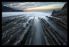ITZURUN V (Ibetx) Tags: ocean sunset sea beach nature water landscape mar waves echo paisaje olas basquecountry paisvasco zumaia flish proudlychopped