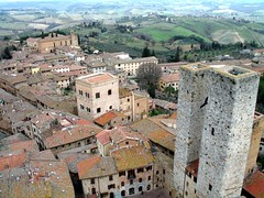 San Gimignano - Le torri gemelle (gengish) Tags: old city travel vacation italy panorama holiday art digital canon geotagged photo italian europa europe italia european foto village shot digitale towers picture palace farmland historic hills tuscany sangimignano fotografia toscana region borgo oldcity italians torri citt medioevo hcc toscano a620 centres torrigemelle italiamedievale gengish historiccitycentres anticando thebestofday gnneniyisi hccity
