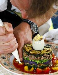 Waimea Farmers Market Savory Gâteau (Bill Adams) Tags: hawaii restaurant farmersmarket explore waimea bigisland canonef2470mmf28lusm kamuela executivechef nhn merrimans ironchefcompetition waimeafarmersmarketsavorygteau neilmurphy
