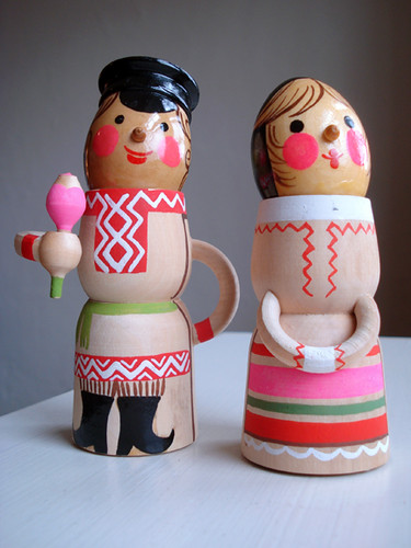 Wooden Dolls by kitschcafe