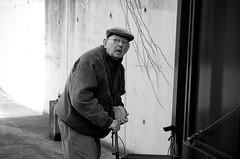 Stunned, surprised and startled (My name's axel) Tags: street old city portrait people blackandwhite bw man face nikon raw belgium startled elderly utata surprise mechelen portrayal malines pensioner welltaken d40 nikond40