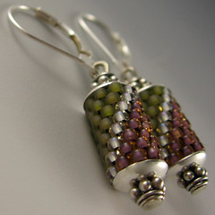 arata earrings no. 41 (yellowplumbeads) Tags: pink green beads colorful jewelry bead earrings etsy beaded yellowplum beadwork seedbeads beadweaving beadedjewelry artisanjewelry peyotestitch beadedearrings handcraftedjewelry beadedbeads dawanda boundlessgallery smashingdarling gourdstitch colorfuljewelry yellowplumbeads susanshaw etsymaine