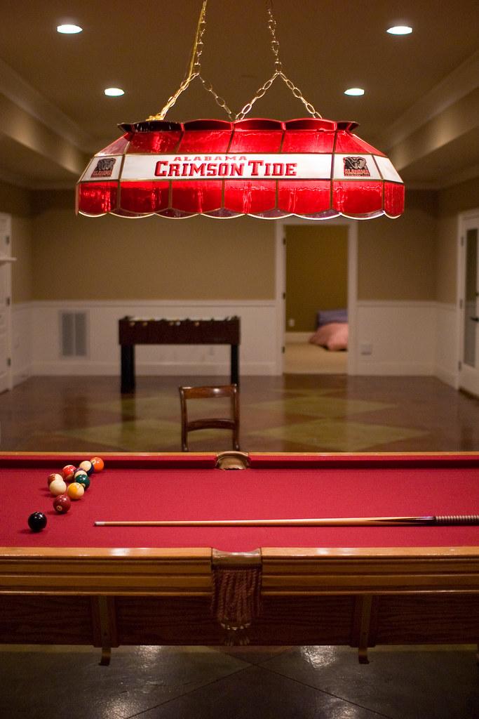 Roll Tide (Josh Thompson) Tags: Lamp D50 Huntsville Alabama Basement  Sigma30mmf14dc Rickshouse Pooltable