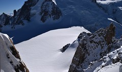 Premières traces sous Haute Tension First tracks under High Tension Mont Blanc (CHAM BT) Tags: neige trace ski glacier blanc montagne rocher massif crevasse serac ombre granite refuge extreme snow mountain rock shade hut chamonix montblanc france hautesavoie winterbeauty