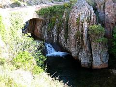 Canyon du Dardu (en eau) sous le pont de Cavallaghju