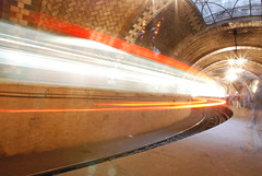 City Hall Subway Station (Triborough) Tags: nyc newyorkcity longexposure ny newyork nycpb subway loop cityhall manhattan mta gothamist irt lowermanhattan 6train 2007 nycsubway nyct nycta newyorkcounty nyctransit r142 civicenter newyorkcitytransitauthority november2007 subwaylongexposure