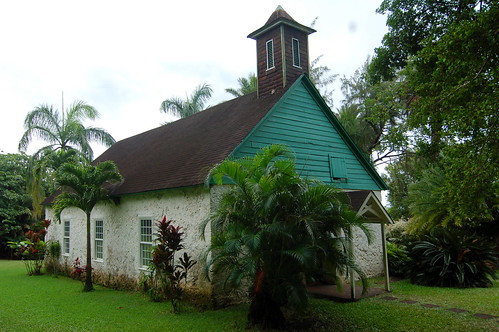 Palapala Ho'omau Church by y entonces.