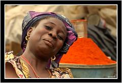 Aiwa la vendeuse (Laurent.Rappa) Tags: voyage africa travel portrait people woman smile face retrato femme laurentr sourire ritratti ritratto ctedivoire peuple afrique ivorycoast ivorycost megashot eliteimages laurentrappa