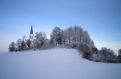White church (Krogen) Tags: winter church norway landscape norge vinter january norwegen noruega nes scandinavia akershus januar romerike krogen kirke landskap noorwegen noreg skandinavia blueribbonwinner udnes olympuse400 aplusphoto amazingamateur udneskirke