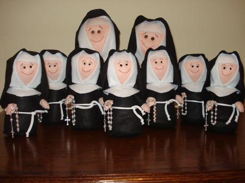 Muitas freiras por Eliani Ferreira.