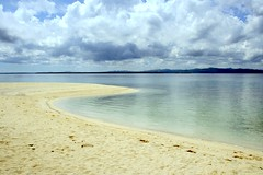 Pandanon lagoon (Farl) Tags: travel summer sky sun beach clouds island sand horizon philippines huts bohol tropics islet visayas escapade getafe pandanon jetafe