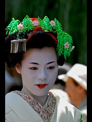 Geisha biting lip... (oliver_selwyn (view LARGE on black!)) Tags: bridge portrait people floral beauty digital hair outdoors person photography japanese nikon stream dof release silk makeup pins biting explore maiko geiko ornament hana geisha dome lip carp chew ritual kimono gion d200 dslr shinto 2008 japaneseculture pontocho traditionalculture maikosan shirakawa bira tsumami makino traditionalclothing kanzashi kushi kanoko tatsumi mahiro hanakanzashi geishaintraining kogai geishamakeup hojoe humanneck habutae pfogold geishaportrait hoseikai ohogo gi traditionalgeishamakeup geishacloseup