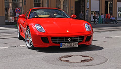 Ferrari 599 HGTE (Frankenspotter Photography) Tags: auto red bw colour cars car canon munich mnchen photography eos photo amazing nice fantastic automobile flickr fotografie shot awesome great rich picture fast automotive super ferrari v gran adrian modena expensive polarizer franken turismo supercar circular sportscar fascinating sportscars gtb supercars pol v12 thelen circ polarization riches staggering handling carspotting 599 polfilter spotter polarisation superca hypercar 1100d worldcars hypercars autombil evolutione maximilianstrase hgte frankenspotter