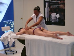 Masaje manual (calafellvalo) Tags: look pretty hairdo health massage hairdresser belleza wellness estetica guapas bauty peluquería masaje masseur loveliness cosmobelleza fotosdecosmobelleza