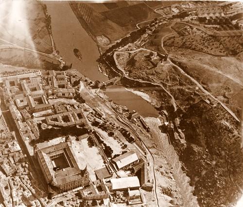 Castillo de San Servando y Torno del Tajo (aérea)