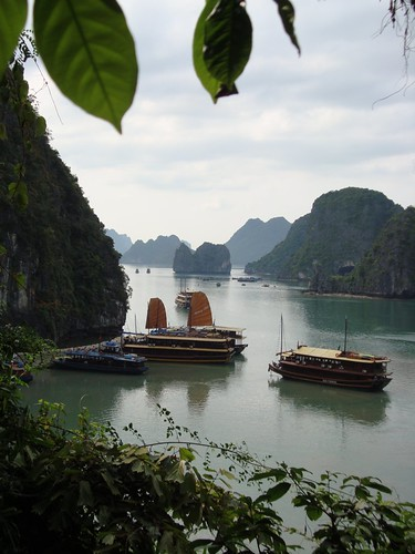 Sung Sot Cave stopover Halong Bay
