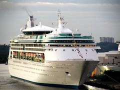 ENCHANTMENT OF THE SEAS (BillGraf) Tags: cruise ship fortlauderdale cruiseship rccl enchantmentoftheseas williamgraf