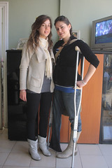 amp-1311 (vsmrn) Tags: amputee woman onelegged crutches