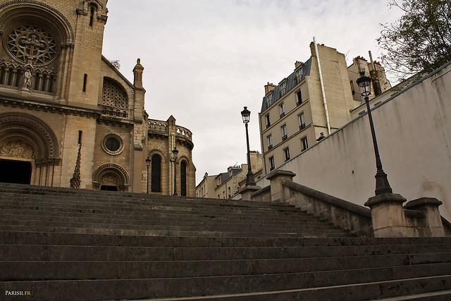 Marches de l'escalier principal