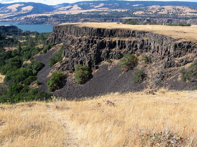 Tom McCall Preserve, Rowena OR