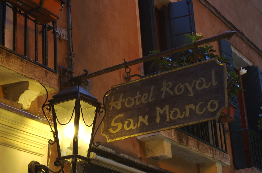 Hotel Royal San Marco entrance