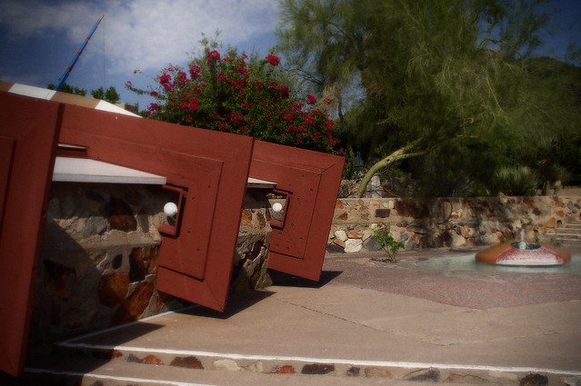 Taliesin West, Fountain and Lamps
