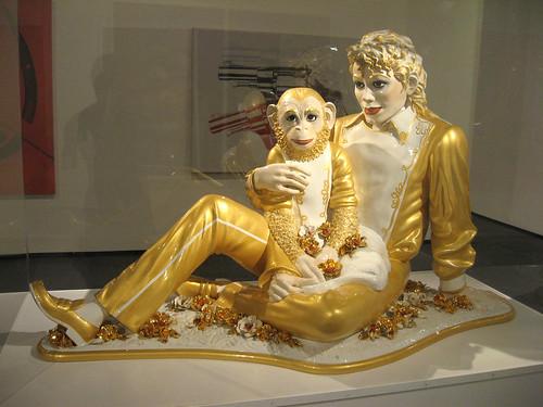 statue gold 1988 bubbles michaeljackson porcelain jeffkoons kitch kingofpop imbad awesomeness banality astrupfearnley chamone michaeljacksonandbubbles makesmefeellike theforcehasgotalottapower itmakesmefeellike aaaouw imbaad imreallyreallybad eeeheee
