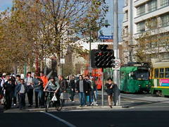 Melbourne, Victoria - gigantic traffic signal (Frank A. Duck) Tags: light traffic large australia melbourne victoria vic signal frankduck