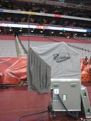 IMG_0394.JPG (bikesnotscott) Tags: arizona newyork broadcast boston media cheerleaders glendale hiking nfl newengland az asu giants scottsdale patriots superbowl tombrady 42 westin champions afc nfc cardinals halftimeshow elimanning arizonastateuniversity tompetty xlii kierland heartbreakers pinnaclepeak wbcn universityofphoenixstadium scotthorrigan gilsantos 20308 sbxlii sb42 teamflight