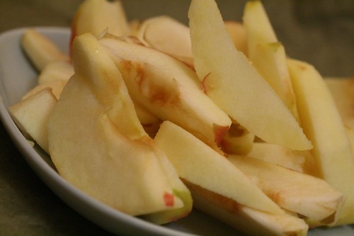 fresh apple slices