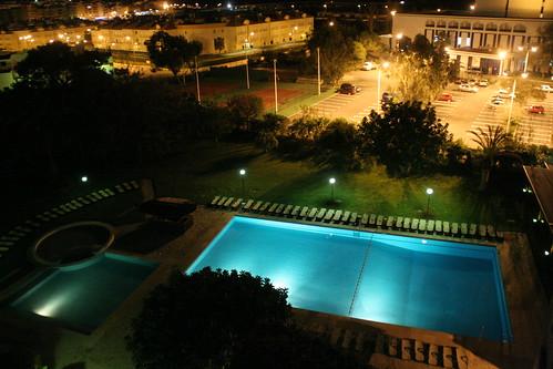 Bak hotellet: Svømmebasseng