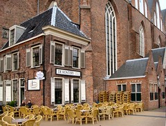 Two wait for Spring, Martinikerk, Groningen, The Netherlands (Rana Pipiens) Tags: napoleon groningen blenheim soe oldcity reductio cubism dollegrieze martinikerk stmartinoftours stmartinschurch blueribbonwinner hanseaticleague fineartphotos arpschnitger platinumphoto superbmasterpiece diamondclassphotographer flickrdiamond diamondclassphotographers theunforgettablepictures betterthangood theperfectphotographer goldstaraward hccity princemauriceoforange thebestpicturegallery albertushinsz jrgenahrend corneliusedskes dekosterij villagroninga rudolphagricola unionofutrecht