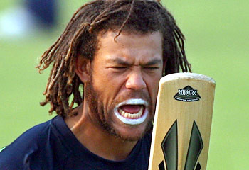 Symonds Angry With Bat