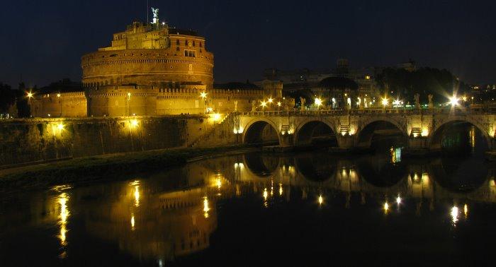 Замок Св. Ангела в 9 часов вечера. Ещё 200 фотографий Рима по ссылке
