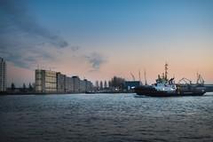 Ship in the Harbouw // Rotterdam (Merlijn Hoek) Tags: rotterdam haven harbouw harbour harbor sunset zonsondergang merlijnhoek merlijn hoek fotograaf fotografie photographer photography man autodidact amsterdammer straat street straatfotografie streetphotography