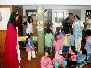 1ra. Princesa Fiesta Nacional del Maní - Sofia Iglesias en su visita a los colegios de Hernando