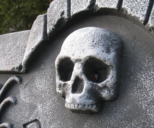 Hallowe'en 2007: Gravestone