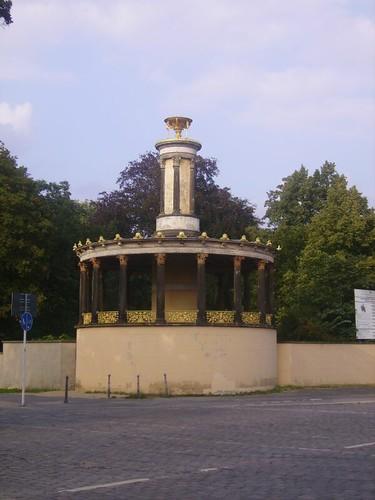 Monumento al  Ponte delle spie by lpelo2000