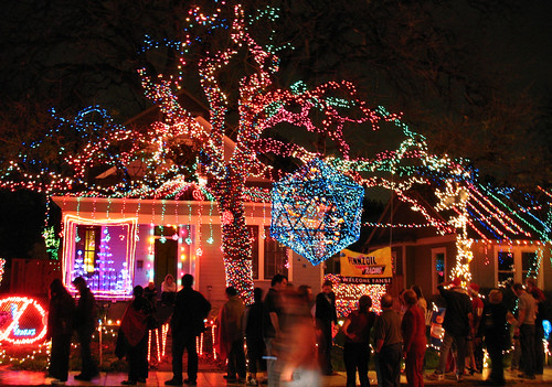 Where to See Christmas Lights in Austin - Lake Travis News - December ...