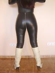 Catsuit de cuero y botas 1 (lady_dulciny_boots) Tags: topf25 leather boots topv3333 catsuit