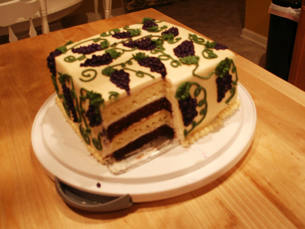 grape cake layers
