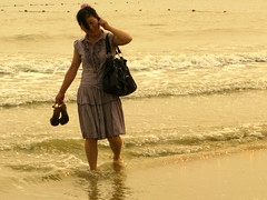 Chinese Beach Fashion - High Heals, Handbag & Mobile Phone (Life in AsiaNZ) Tags: china people woman beach water fashion mobile canon bag asian sand asia waves highheels hand phone g chinese powershot series  talking paddling   beihai  guangxi silverbeach hangbag   g9 gseries   canong9  lifeinnanning chinesebeachfashion flickrgiants