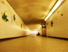 tunnel sounds (ie::fotografie) Tags: musician music london underground tunnel soe londen abigfave aplusphoto theperfectphotographer