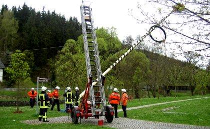 Maibaumaufbau in Blankenstein