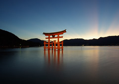 Miyajima Torii Worldheritage (h orihashi) Tags: sunset reflection japan night landscape gate shrine pentax hiroshima miyajima  inspire torii soe breathtaking  globalvillage worldheritage nati